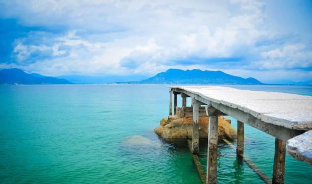 Nước biển trong xanh trên đảo Bình Lập (Ảnh ST)