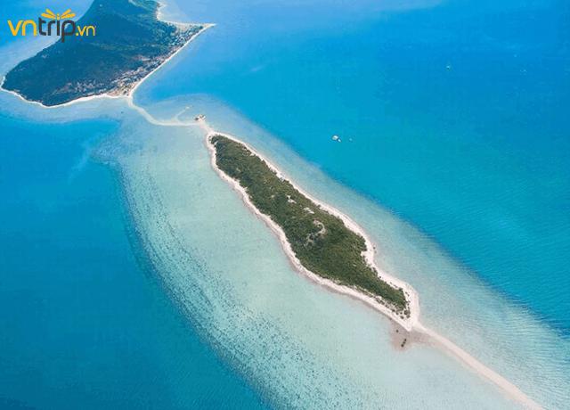 Đảo Điệp Sơn nhìn từ trên cao (Ảnh: Sưu tầm)