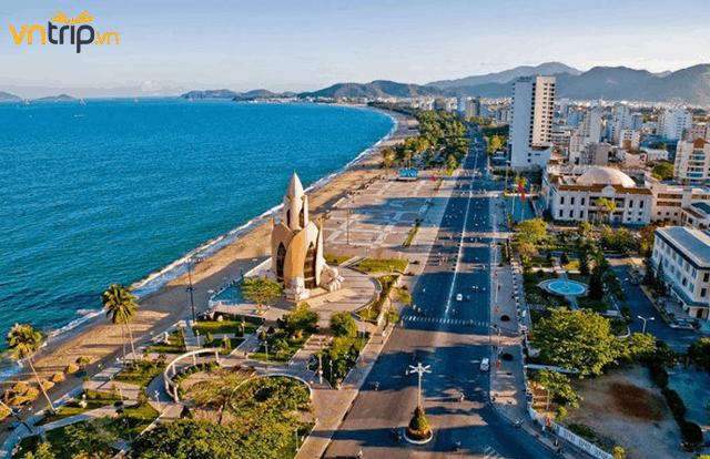 Trung tầm từ tháng 3 đến tháng 9 là thời gian thích hợp nhất để du lịch Nha Trang (Ảnh: Sưu tầm)