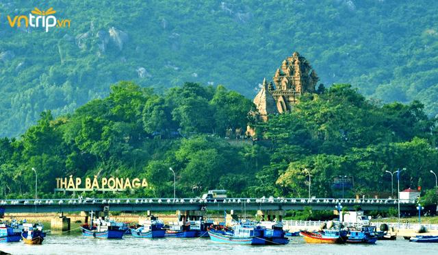 Tháp Bà Ponagar Nha Trang – quần thể kiến trúc văn hóa Chăm Pa lớn nhất miền Trung Việt Nam (Ảnh: Sưu tầm)