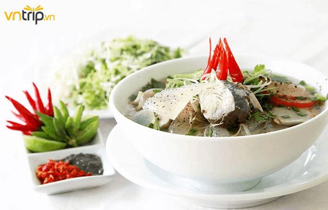 Bún sứa nằm trong danh sách những món ăn ngon mà bạn không nên bỏ qua khi du lịch Nha Trang (Ảnh: Sưu tầm)