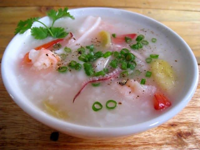 ĂN cháo hải sản là bổ sung chất dinh dưỡng một cách nhanh nhất (Ảnh ST)