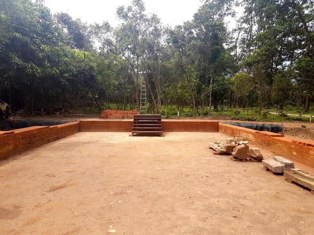 Là cổng ngõ đầu tiên chỉ các vua chúa, thành viên trong hoàng tộc, các chức sắc cao quý nhất của Chămpa mới được đi vào các khu đền tháp trung tâm để cúng tế các thần (Ảnh ST)