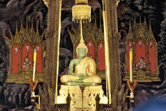 Bức tượng được làm từ ngọc bích nguyên khối (Ảnh ST)