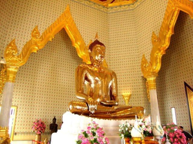 Chùa Vàng nổi tiếng ở Bangkok (Ảnh ST)