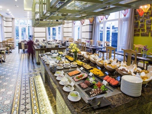Nhà hàng sang trọng trong khách sạn (Ảnh ST)