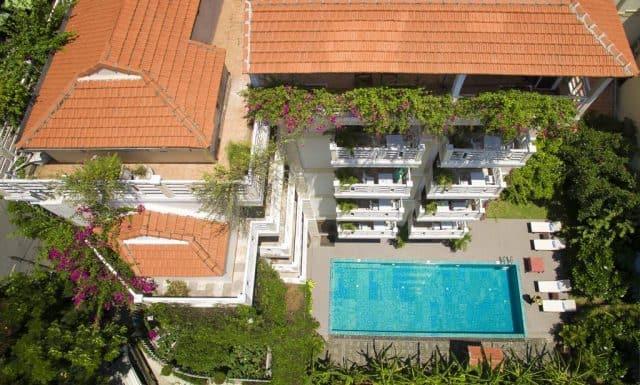 Quang cảnh khách sạn từ trên cao (Ánh ST)