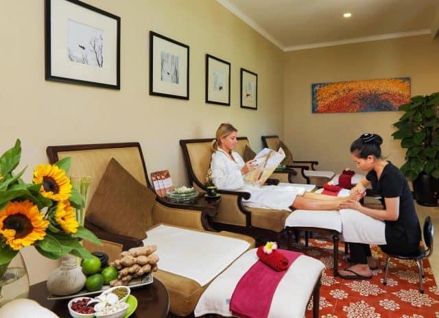 Tận hưởng dịch vụ massage (Ảnh ST)