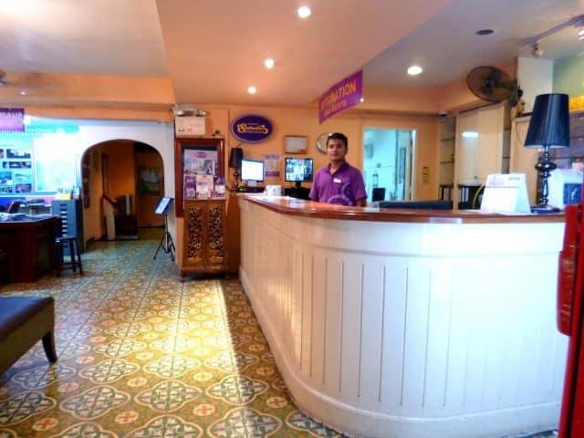 Sảnh tiếp khách của Sawasdee Bangkok Inn Hotel (Ảnh ST)