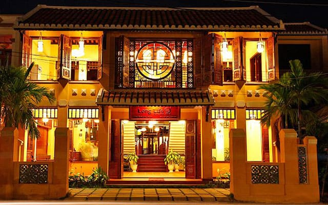 Khách sạn lung linh trong đêm (Ảnh ST)