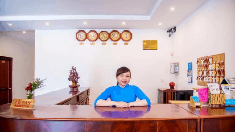 Quầy lễ tân khách sạn Biển Xanh