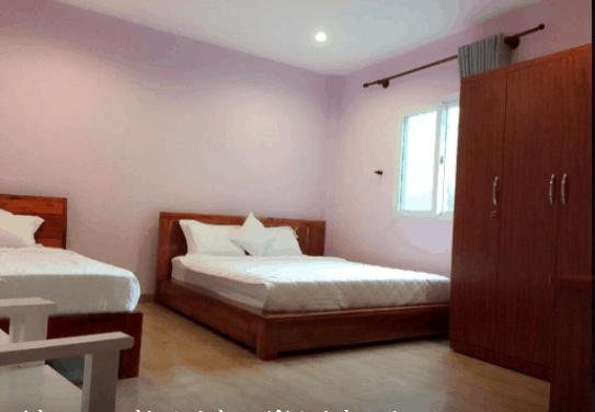 Phòng ngủ khách sạn thiết kế đơn giản