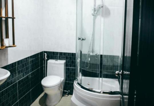 Phòng tắm đầy đủ thiết bị