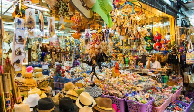 Các khu chợ đêm luôn có vô vàn thứ để các bạn lựa chọn (ẢNH ST)