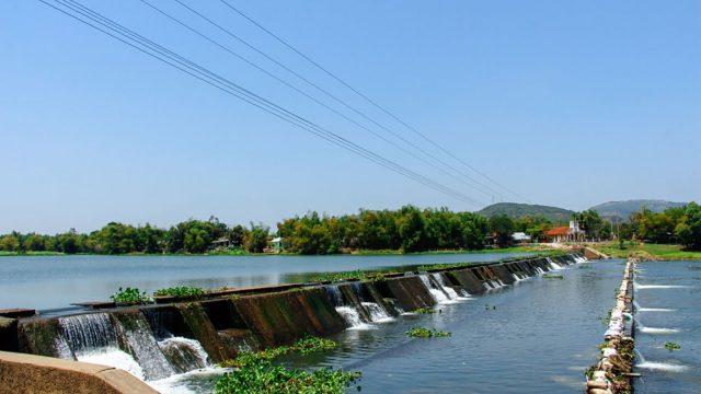 Đập Tam Giang là công trình thủy lợi quan trọng giúp tưới tiêu cho các cánh đồng ruộng ngút ngàn ở các xã An Thạch, An Ninh