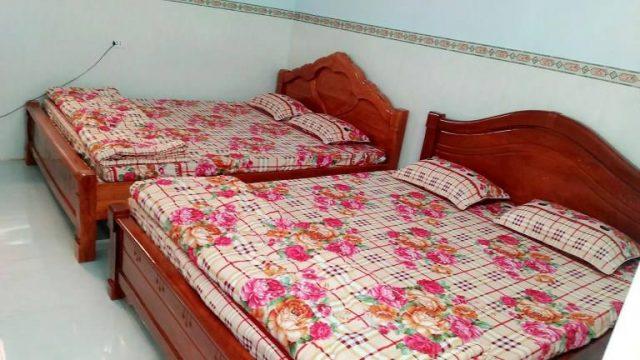Phòng ngủ có tiện nghi máy lạnh, quạt, wifi,... để bạn được nghỉ ngơi thoải mái nhất (Ảnh ST)