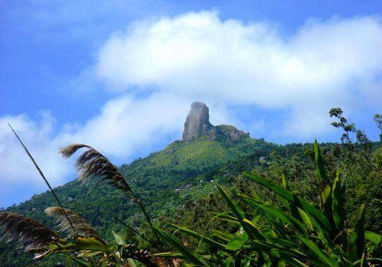 Cảnh núi ông nhìn từ xa thật kỳ vỹ (ẢNH ST)