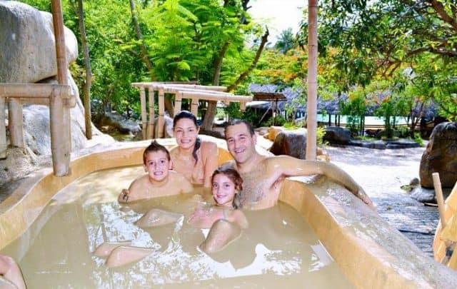 Bồn tắm bùn cực đã ở tắm bùn I Resort Nha Trang (ẢNH ST)
