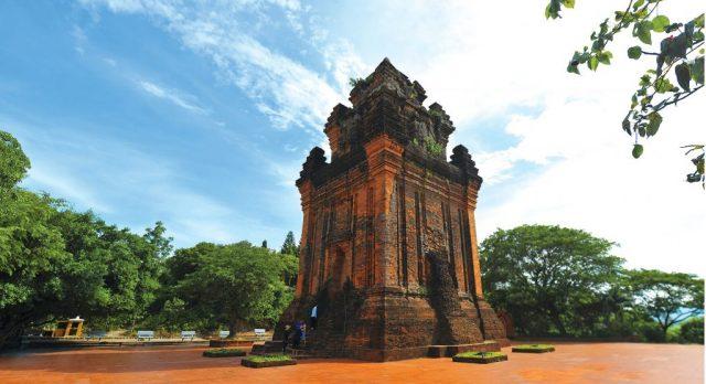 Bạn có thể biết thêm về nghệ thuật Chăm Pa khi tham quan tháp (ẢNH ST)