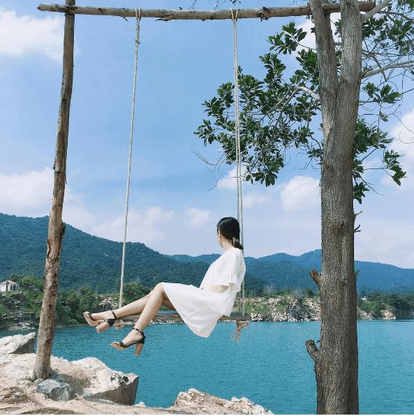 Một góc Hồ đá xanh