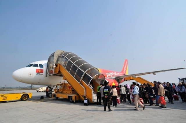 Máy bay là phương tiện di chuyển thuận tiện nhất để tới Nha Trang (Ảnh ST)