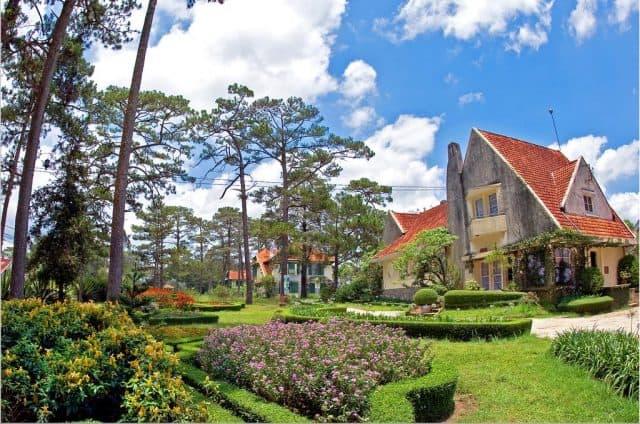 Dalat Cadasa sở hữu những ngôi biệt thự cổ kính