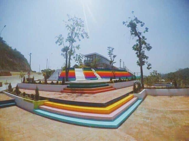 Khu biệt thự màu sắc nổi tiếng ở Nha Trang (Ảnh: ST)