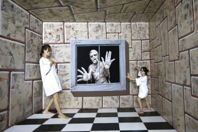 Vui đùa cùng xác ướp ở khu Egyptian