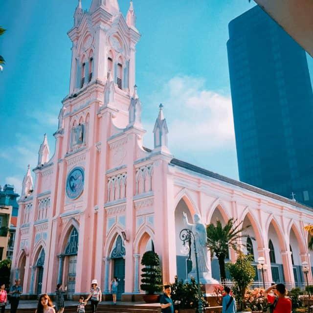 Nhà thờ con gà - công trình kiến trúc ấn tượng (Ảnh ST)