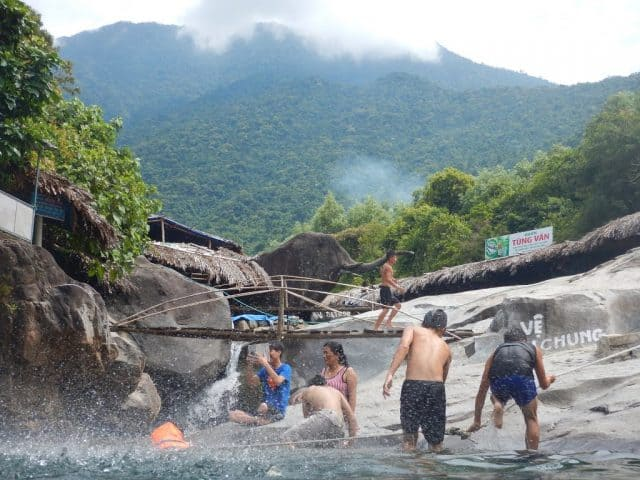 Thiên đường dã ngoại vào mà hè ở Suối Voi Huế
