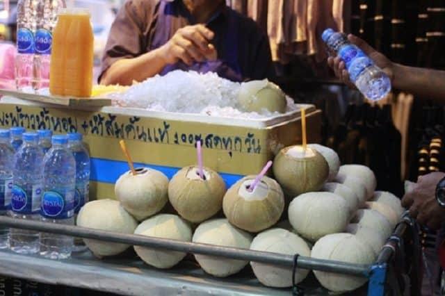 Dừa nướng (Ảnh ST)