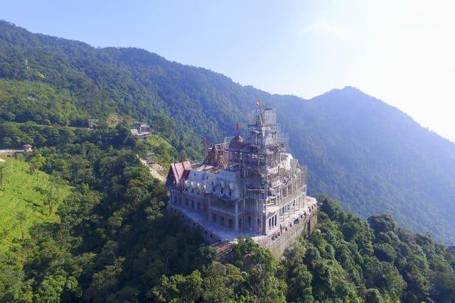 """Chiêm ngưỡng """"Lâu đài Tam Đảo"""" nguy nga trị giá nghìn tỷ - Vntrip.vn"""