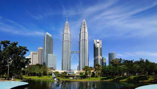 Khám phá tòa tháp đôi Malaysia cao chọc trời – Petronas Twin Towers