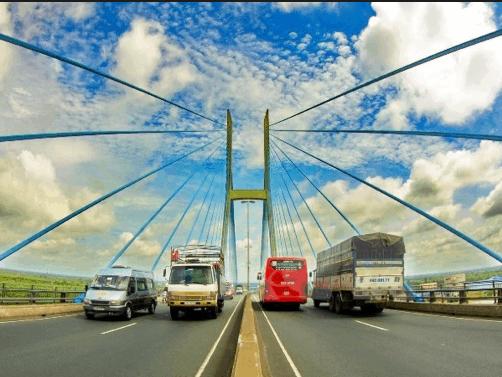 Đến Tiền Giang, bạn nhớ ghé thăm cầu Mỹ Thuận vào buổi sáng để ngắm nhìn kiến trúc dây văng độc đáo và ghi lại những shot hình thật chất tại đây nhé!