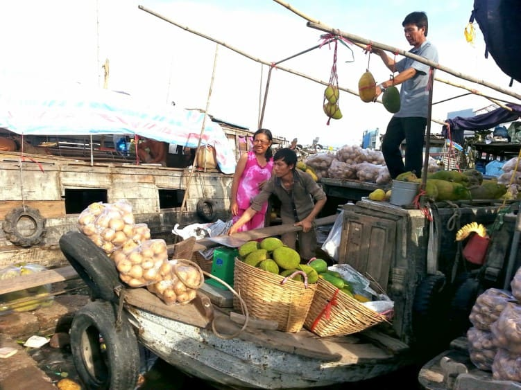 Chợ nổi Cà Mau