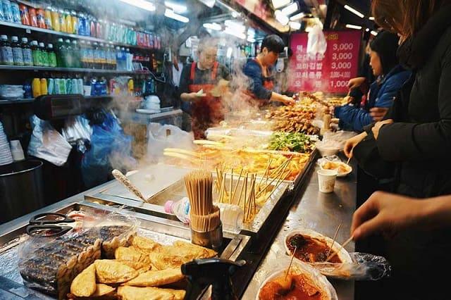 Du khách có thể thưởng thức những món ăn (ảnh ST)